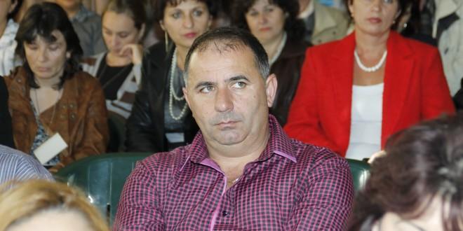 Trei liberali contra lui Florin Cazacu