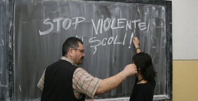 Elevii hunedoreni s-au cumințit. Doar aproximativ 80 de școlari au comis acte de violenţă în mediul şcolar