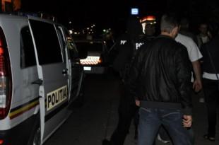 Razii în două cartiere din Petroșani