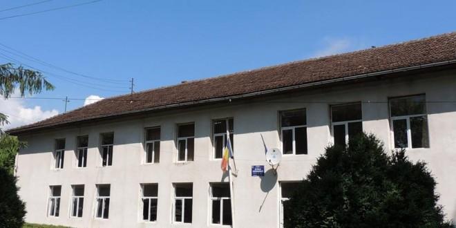 scoala din Vata