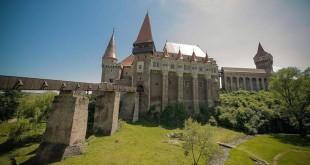La ora actuală, Castelul Corvinilor este singurul obiectiv din oraş pentru care Primăria Hunedoarei are un proiect ce urmează să fie depus la ADR Vest