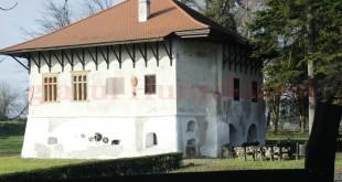 Bastionul Rosu - Ilia  0805Watermark (1)