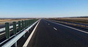 Autostrada dinspre Lugoj s-a apropiat de Deva până în zona deluroasă dintre Margina şi Holdea, zonă pe care o va străpunge abia peste vreo trei ani.