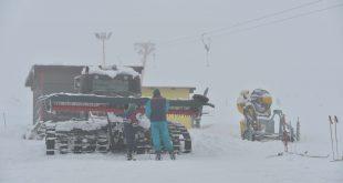 Straja are nevoie de un garaj pentru ratrack-uri şi tunuri de zăpadă suplimentare