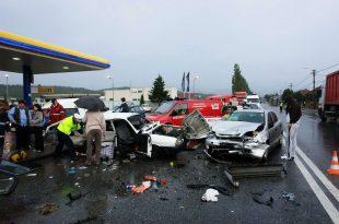 Acest gen de imagini apar din ce în ce mai rar pe DN 7, între Deva şi Orăştie, în principal datorită autostrăzii inaugurate în 2012.