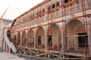 Castel restaurare mai veche aripa renascentista