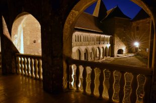 Secund castel noaptea