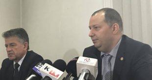 """Ministrul Energiei, Toma Petcu (în dreapta imaginii), nu a fost informat de """"aliaţii"""" din PSD în legătură cu protestul de joi de la Mintia"""