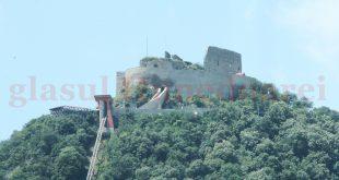 """Cetatea Devei e unul dintre obiectivele care ar putea deveni """"distribuitor"""" de turişti în judeţ"""