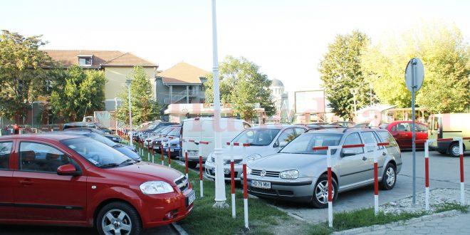 În actuala parcare a Spitalului nu încap mai mult de 60 de autoturisme