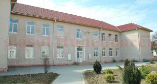 """Liceul """"Silviu Dragomir"""" din Ilia este excepţia de la regula liceelor rurale cu rezultate foarte slabe"""