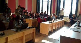 Aleșii PSD și UDMR (băncile din față) au votat împotriva proiectelor, la fel ca și PNL și PSRO