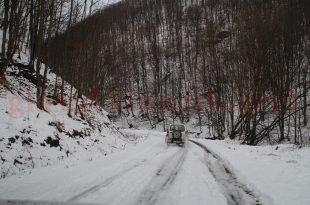 """Drumurile judeţene declarate """"închise"""" nu vor fi deszăpezite în iarna care urmează"""