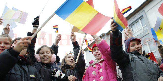 600 de steguleţe tricolore se numără, de asemenea, pe lista de cheltuieli pe care Primăria Hunedoarei intenţionează să le facă pentru 1 Decembrie