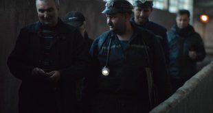 MAIN Petrila mineri iesind din ultimul sut