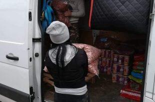 50 de deveni au reuşit să strângă peste 3 tone de alimente pentru câini în doar trei zile