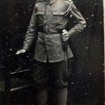 Petre Nistorescu – tânăr soldat, fotografie făcută pe vremea în care nimeni nu putea să-şi închipuie grozăviile ce vor urma