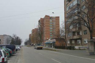 Dacă toate turnurile de pe Trandafirilor vor primi bani de reabilitare energetică, se va schimba înfăţişarea întregii zone (sursa foto: Primăria Hunedoara)