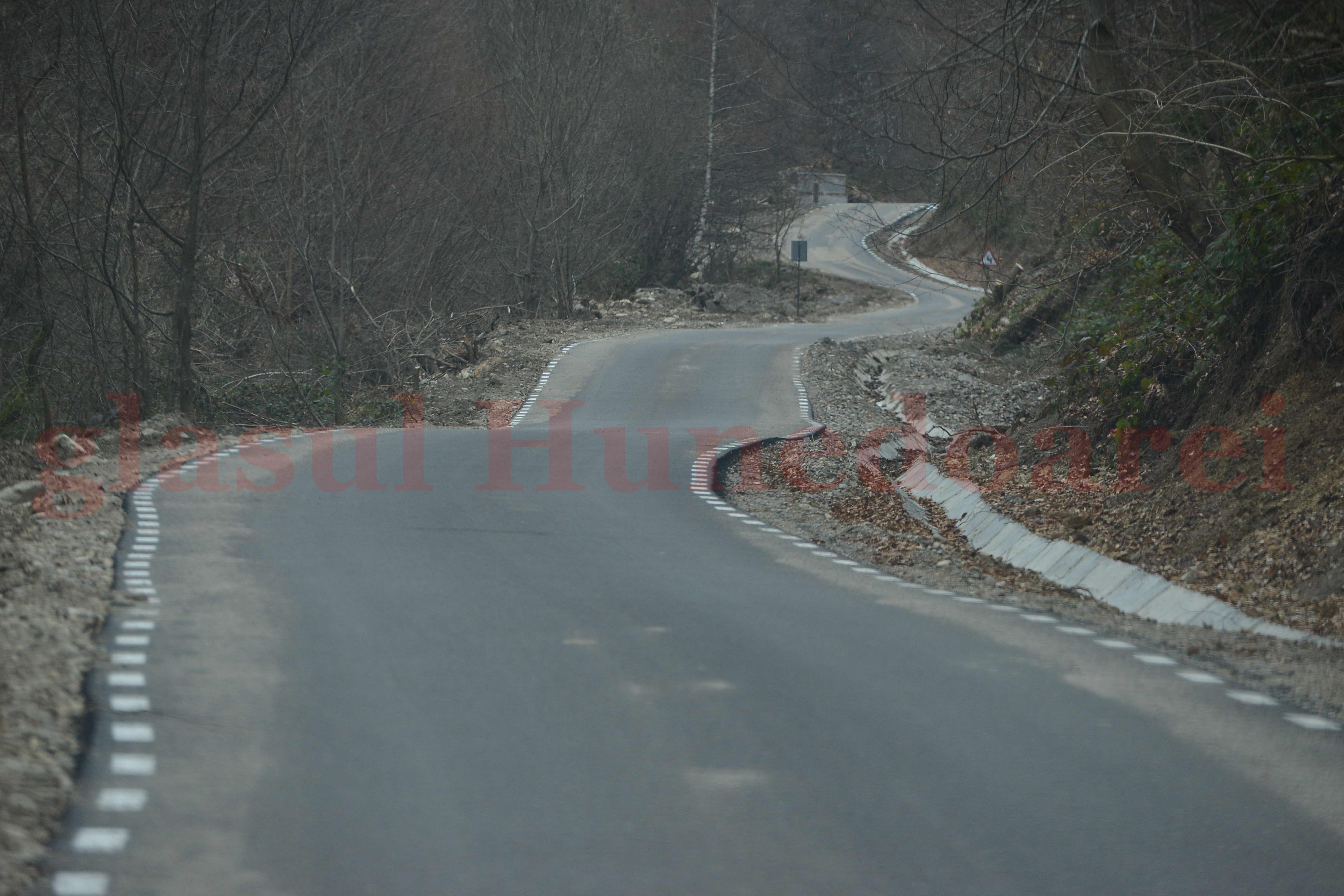 Photo of Drum asfaltat spre Sarmizegetusa Regia: ce se întâmplă când o idee bună întâlneşte un proiect prost (GALERIE FOTO)