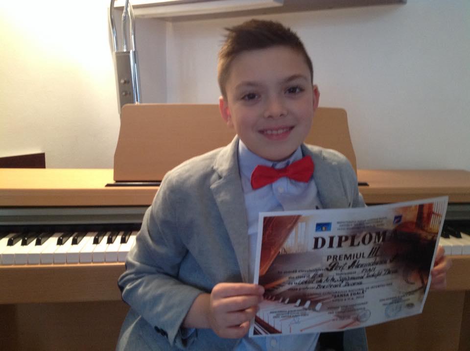 Photo of Premii pentru elevii pianişti deveni la un Concurs Naţional de Interpretare