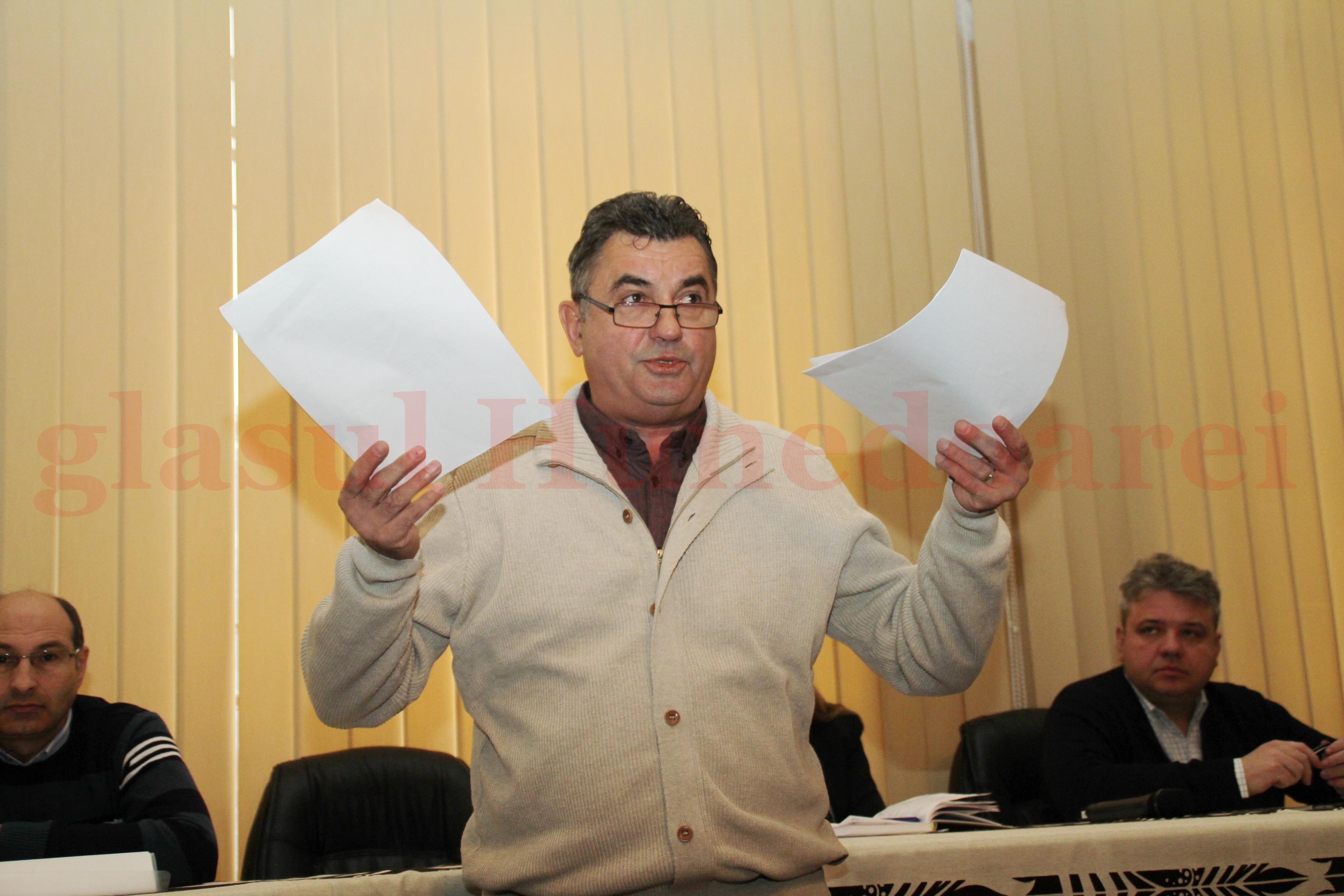 """Photo of Primăria Deva """"umblă"""" cu plângeri pe la CNA. După ce primarul Petru Mărginean a jignit o parte a presei, tot edilul s-a simțit deranjat"""