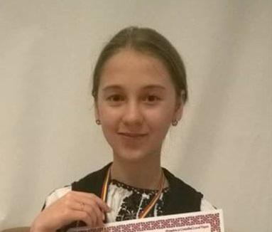 Photo of Deveanca Alexandra Vanc a obţinut premiul I la un concurs naţional de folclor