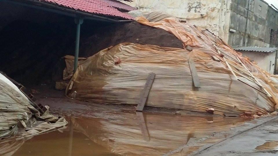 Photo of Bombă ecologică la Șoimuș, ignorată de autorități. Mii de tone de plumb, depozitate neconform, pun în pericol sănătatea publică