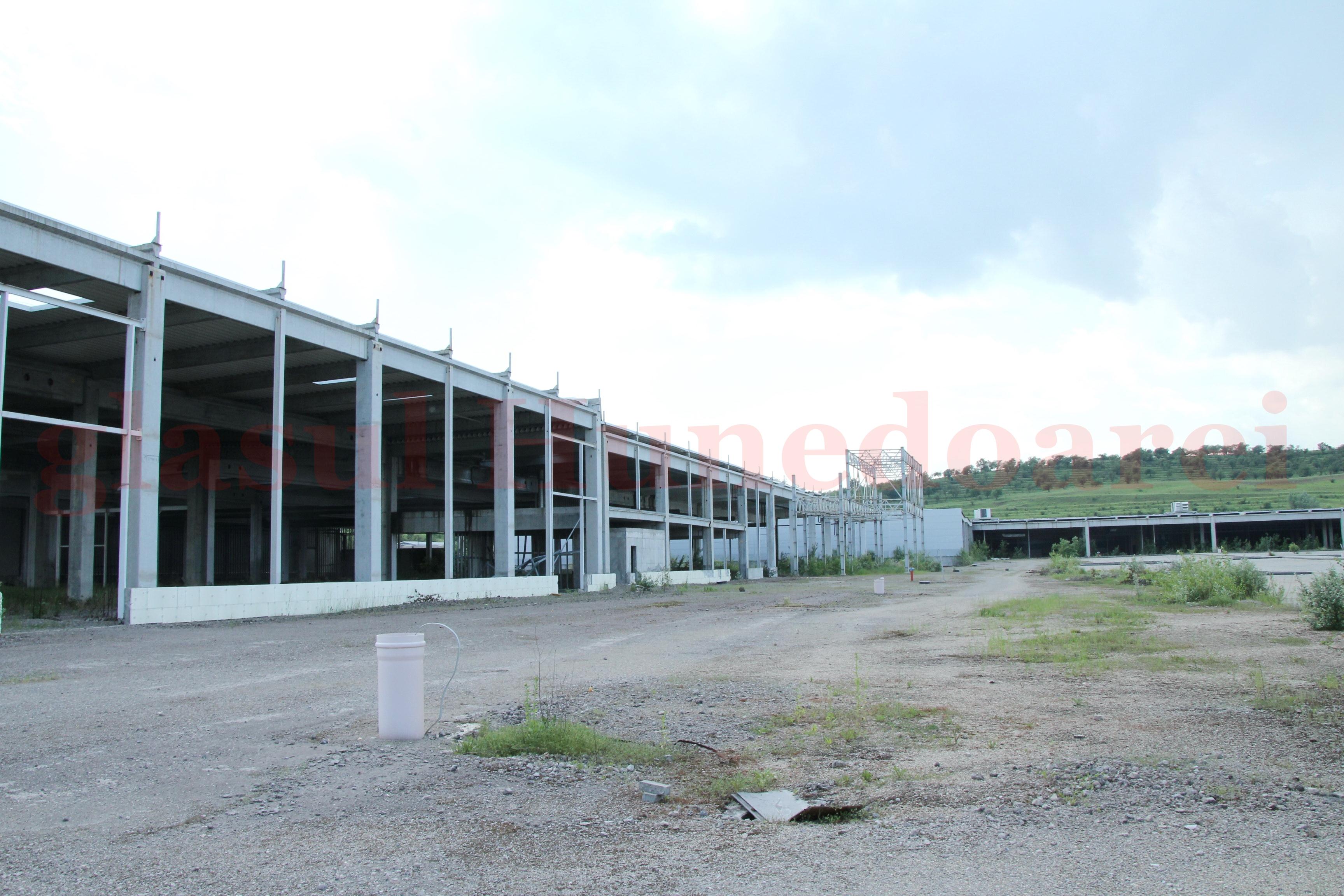 """Photo of Imagini dintr-un """"oraş sănătos"""" – """"European Retail Park"""" Sântuhalm (GALERIE FOTO)"""