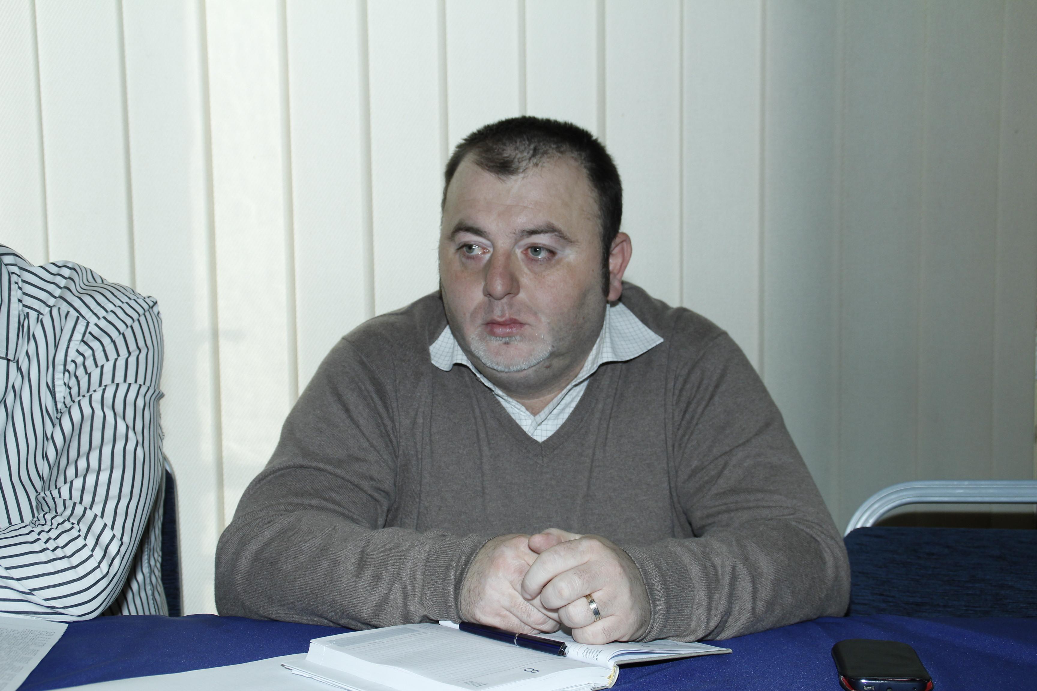 Photo of Băgat în comisia de disciplină… Cosmin Vasile, directorul tehnic al Primăriei Deva, a intrat în concediu paternal