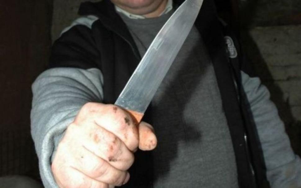 Photo of Tentativă de omor, la Hunedoara. O femeie a fost înjunghiată de soțul său