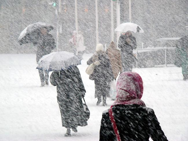 Photo of Hunedoara, sub cod galben de ninsori și viscol, până joi dimineață