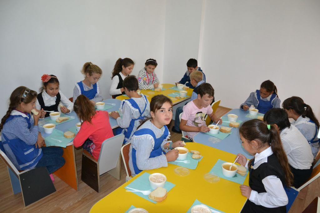 Photo of Elevii de la Sântămăria Orlea vor beneficia de o masă caldă sau un pachet alimentar