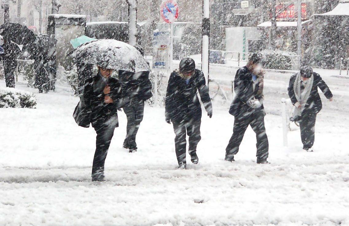 Photo of Meteorologii avertizează: se întorc ninsorile
