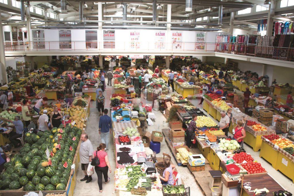 Photo of Producătorii agricoli locali care își desfășurau activitatea în piețele din Deva și Hunedoara scoși în frig