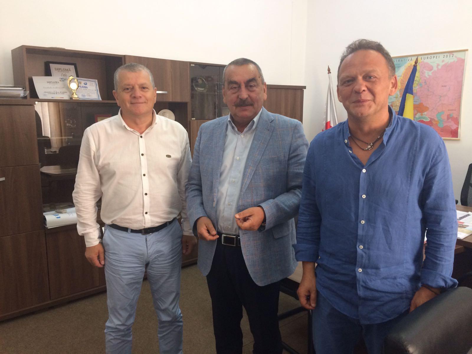Photo of Hunedoara şi Alba îşi promit promovare reciprocă