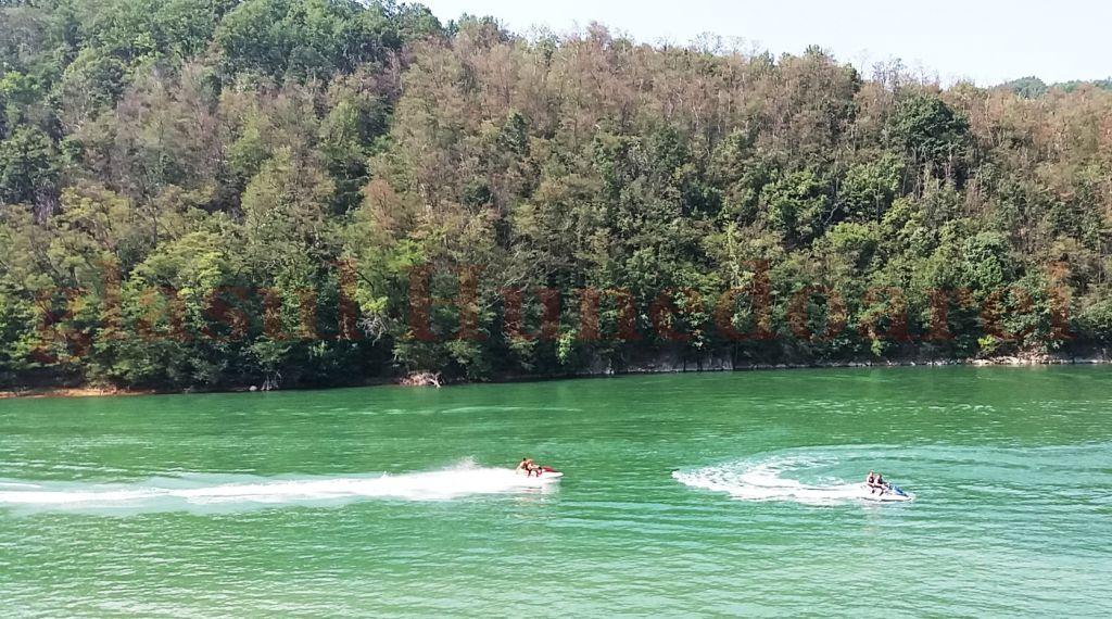 Cine intră în lacul Cinciş, înot, cu barca ori cu ski-jet-ul, o face pe propria-i răspundere, după cum spune directorul SGA Hunedoara