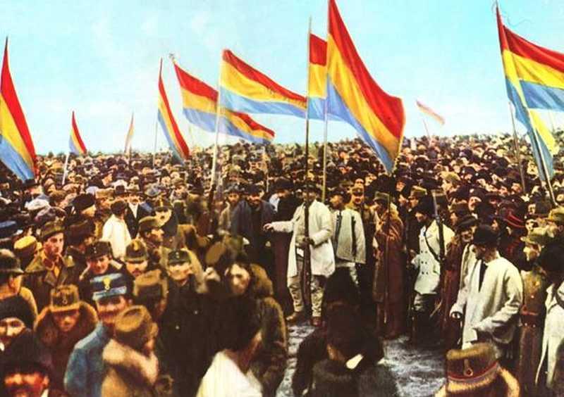 Mulţi dintre liderii Marii Uniri, cei care i-au adus pe români la Alba Iulia, au fost torturaţi în temniţele comuniste. Printre ei s-au numărat şi doi intelectuali hunedoreni.