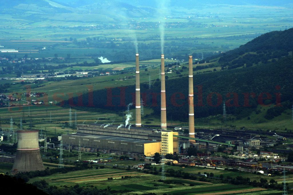 """Liderii sindicali şi unii directori de la Mintia se declară convinşi că termocentrala ar putea păstra mai mult de un grup în funcţiune şi după 2020, spunând că, în situaţii de criză, cele 5 grupuri rămase ar putea """"dudui"""" ca-n vremurile bune."""
