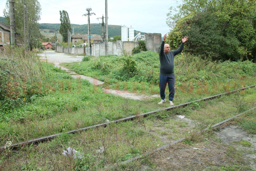 Ioan Ungur spune că CFR a ales soluţia cea mai scumpă şi cea mai complicată pentru construirea unui pasaj peste calea ferată, la Mintia
