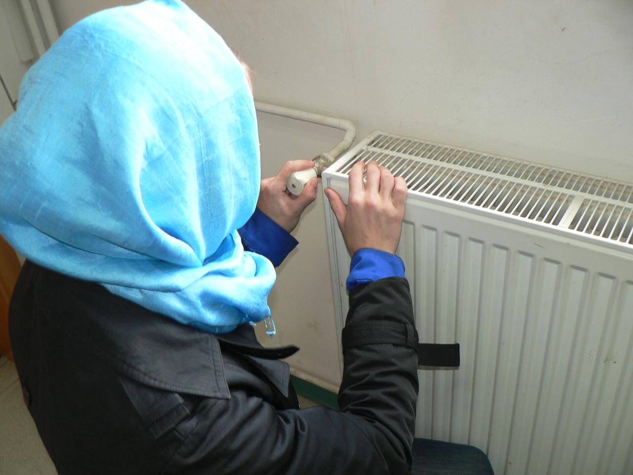 Autorităţile promit că brădenii, petroşănenii şi devenii ale căror locuinţe sunt racordate la sistemele centralizate de termoficare nu vor suferi de frig la iarnă