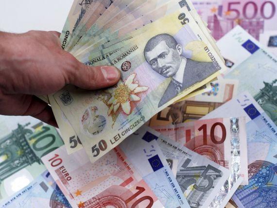 """Recidivistul de 63 de ani a reuşit să """"încaseze"""" de la ultimele sale trei victime peste 13.000 de euro şi aproape 35.000 de lei"""