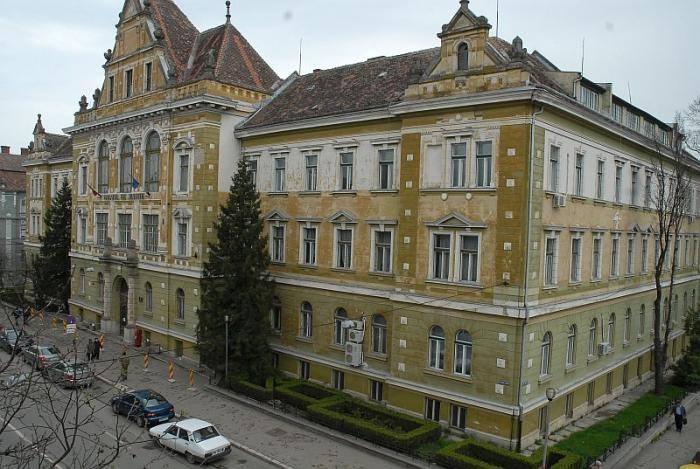 Resortul de Justiţie, condus de Aurel Lazăr, funcţiona pe bulevardul Victoriei din Sibiu, în Palatul de Justiţie de astăzi.