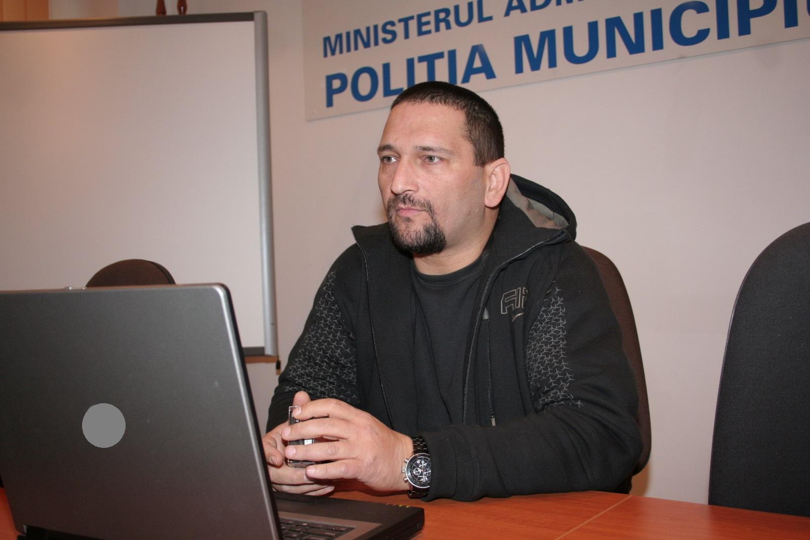 """Photo of Comisarul-șef Traian Berbeceanu s-a retras din poliție. """"Meseria de polițist a însemnat totul pentru mine, vreme de 25 de ani. (…) Cred că este cea mai tristă zi din viața mea"""""""