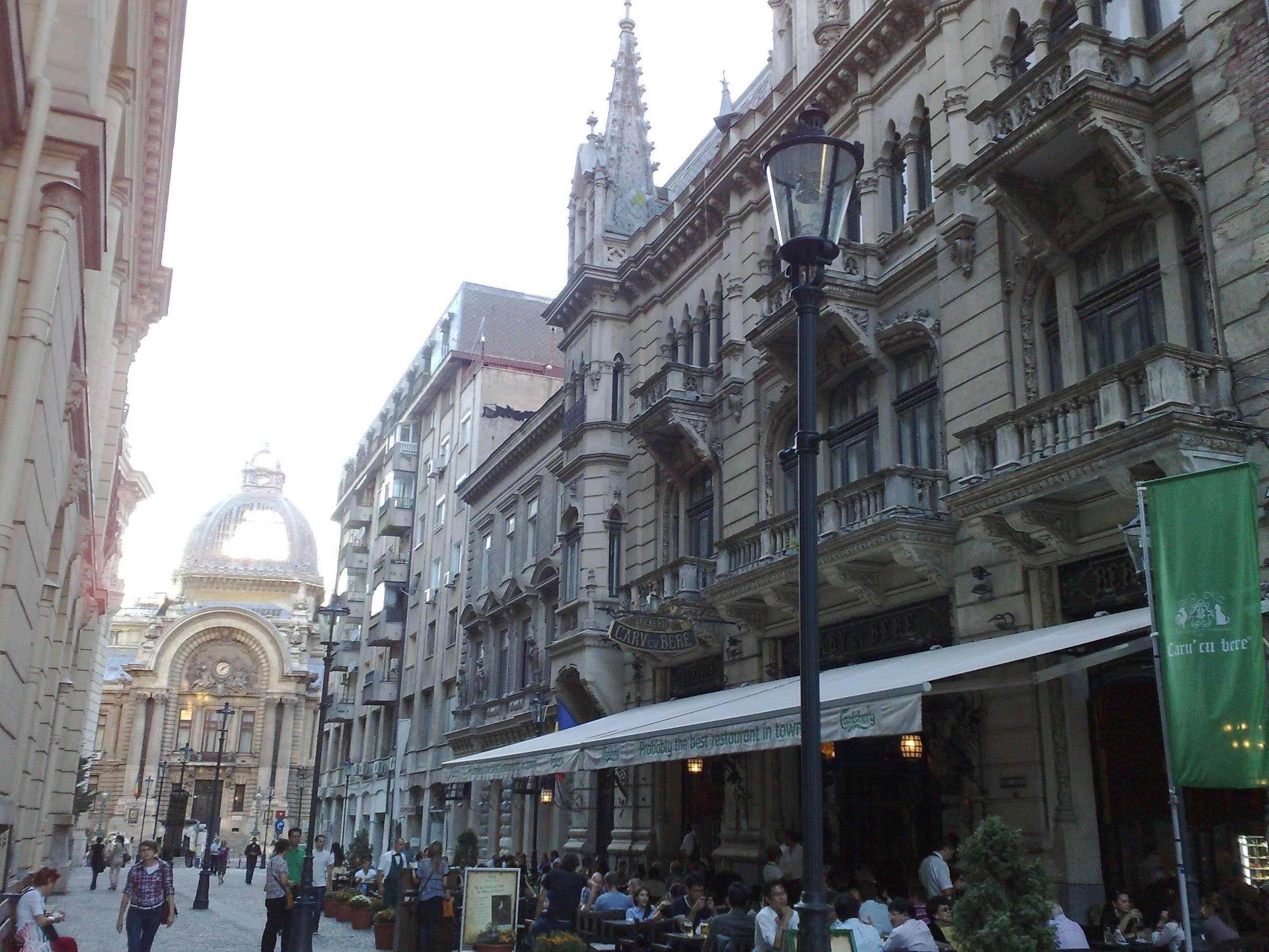 """Restaurantul """"Carul cu bere"""" din București a vândut, în anul 1902, pentru prima oară, mititei"""