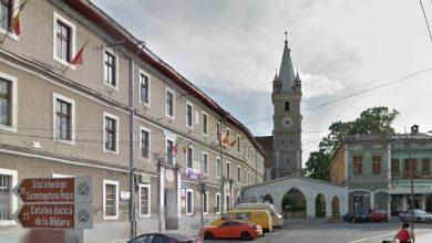 Clădirea veche a spitalului din Orăştie (în stânga imaginii) ar putea fi transformată într-un muzeu de dimensiuni apreciabile