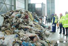 Operatorul deponeului ecologic consideră că e nevoie de investiţii suplimentare de 1,8 milioane de euro, din cauză că gunoaiele vin aici tot de-a valma. Pentru ca SMID să fie eficient, e nevoie ca gradul de colectare selectivă să fie de cel puţin 10 ori mai mare decât cel de acum