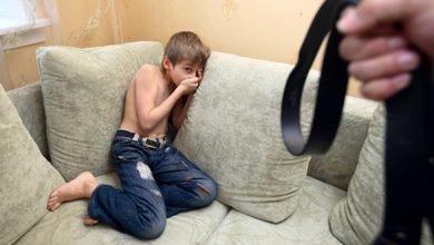 """Photo of """"Eu te-am făcut, eu te omor"""". Zeci de minori abuzați sexual și maltratați de părinți"""