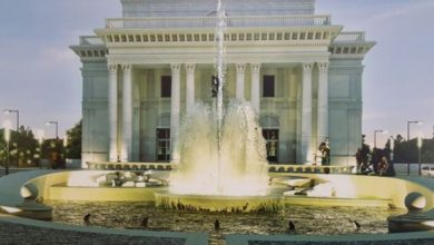 """Foto: reprezentare grafică a viitoarei fântâni """"Regele Ferdinand"""" din faţa Casei de Cultură Hunedoara (sursa – Primăria Hunedoara)"""