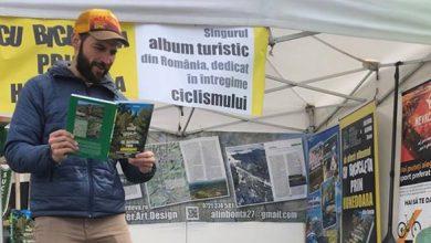 La standul lui Alin Bonţa a fost şi distracţie, curajoşii fiind invitaţi să citească în timp ce încercau să stea pe un NevBoard