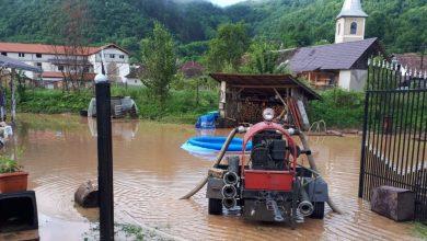 Photo of FOTO. Mai multe localități din județ, afectate de inundații. Mașini blocate în Deva din cauza apei
